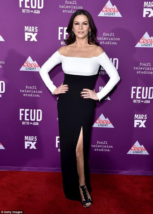 Catherine Zeta-Jones trẻ đẹp cùng với thời gian.