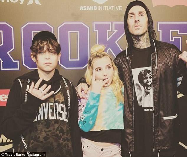 Travis Barker có hai người con - Landon (14 tuổi) và Alabama (12 tuổi) với vợ cũ - người mẫu Shanna Moakler.