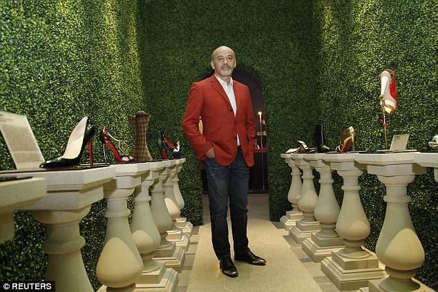 Nhà thiết kế thời trang người Pháp Christian Louboutin.