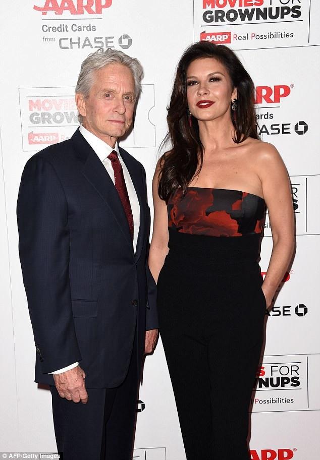 Catherine Zeta-Jones (48 tuổi) và chồng - tài tử Michael Douglas (71 tuổi).