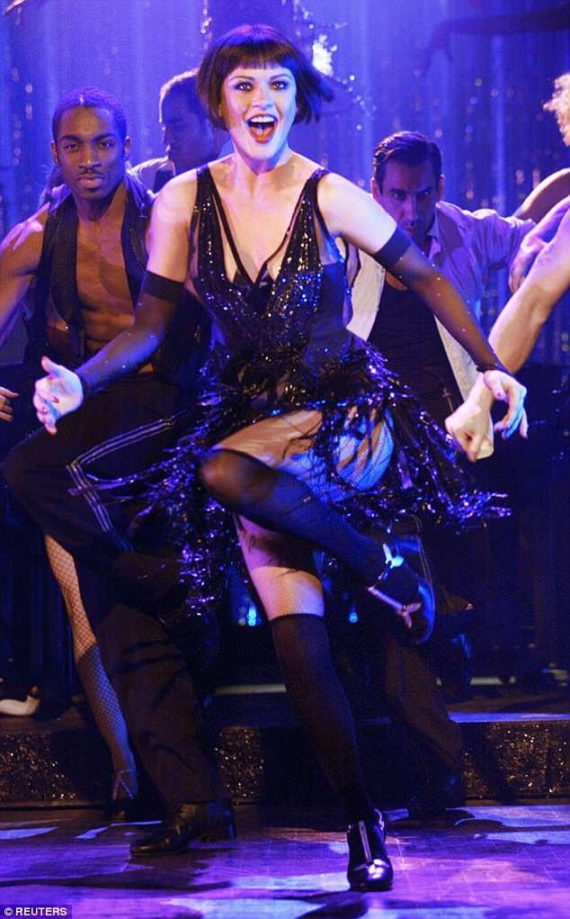 Zeta-Jones đã giành được giải Oscar với vai diễn trong bộ phim nhạc kịch Chicago (2002).