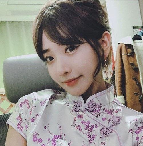 Hot girl Hàn Quốc livestream vài phút kiếm được gần 70 triệu đồng - 4