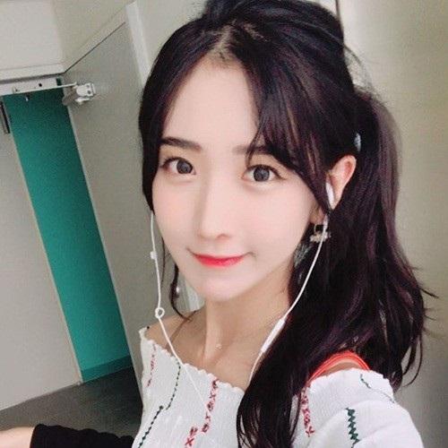 Hot girl Hàn Quốc livestream vài phút kiếm được gần 70 triệu đồng - 5