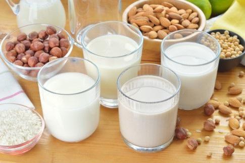 máy làm sữa hạt Những lưu ý quan trọng khi mua máy làm sữa hạt cho gia đình dt 292 sua hat 1 15292194345221232501484