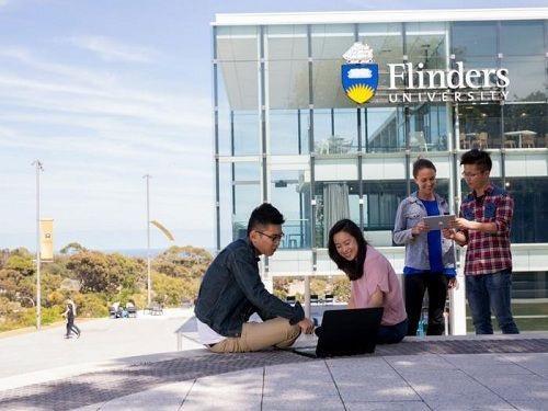 Chương trình Đào tạo nghiên cứu của Chính phủ Úc (AGRTP) nhằm giúp sinh viên quốc tế theo đuổi nghiên cứu tại đại học Flinders.