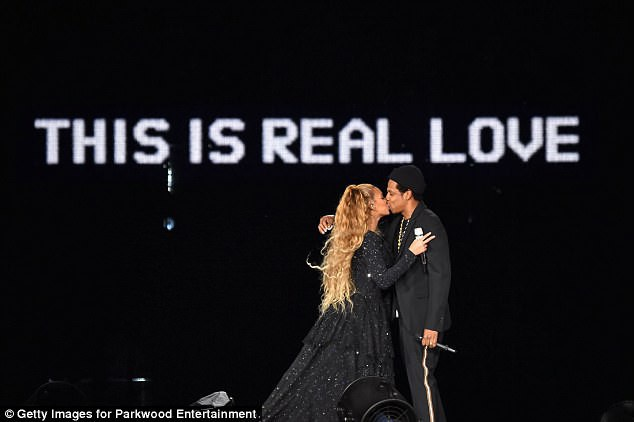 Show diễn của diva Beyonce và chồng thu hút hàng chục nghìn khán giả
