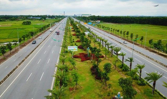 Hiện trạng một góc hai bên tuyến đường Nhật Tân - Nội Bài. Dự kiến, liên doanh nhà đầu tư BRG -Sumitomo sẽ khởi công xây dựng thành phố thông minh vào tháng 9/2018.