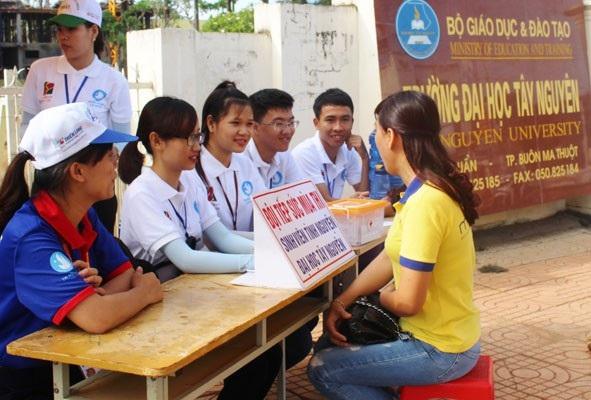 Tiếp sức mùa thi sẵn sàng hỗ trợ thí sinh tại Đăk Lắk