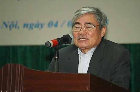 Nhà thơ Nguyễn Duy, tác giả khổ thơ được trích đưa vào đề thi Ngữ văn THPT quốc gia 2018 (Ảnh: Mai Châm)