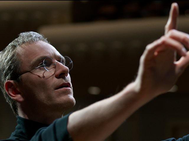 Tại sao Apple chuyển tên từ Apple Computers Incorporated thành Apple Inc.?