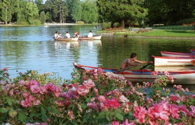 Cảnh thanh bình bên trong công viên đầu tiên cho phép khỏa thân ở Pháp