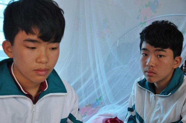 Tương lai của 2 anh em sẽ rất khó khăn nếu như không được bạn đọc báo điện tử Dân trí giúp đỡ.