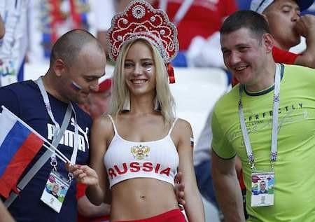 Natalya Nemchinova vừa đính chính về tin đồn đóng phim cấp ba
