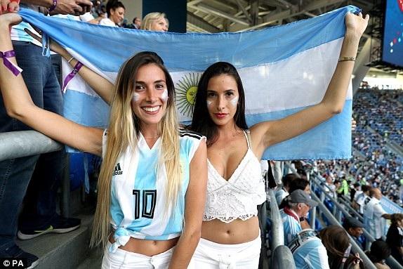Argentina 2-1 Nigeria: Messi, Rojo chói sáng - 29