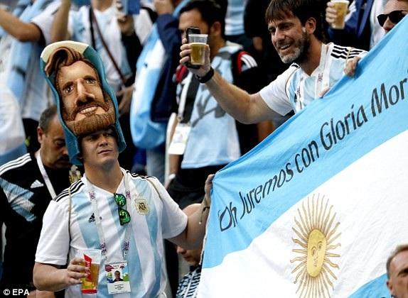 Argentina 2-1 Nigeria: Messi, Rojo chói sáng - 28