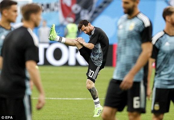 Argentina 2-1 Nigeria: Messi, Rojo chói sáng - 25