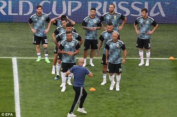 Argentina 2-1 Nigeria: Messi, Rojo chói sáng - 24