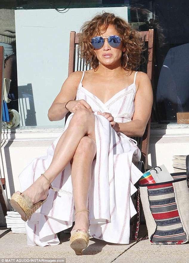 Jennifer Lopez đi cùng 2 con Max - Emme, 10 tuổi