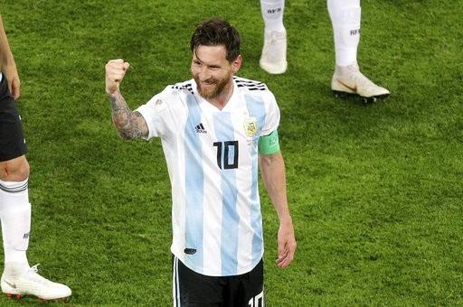 """Niềm vui vỡ òa của Messi khi Argentina thoát """"lưỡi hái tử thần"""" - 11"""