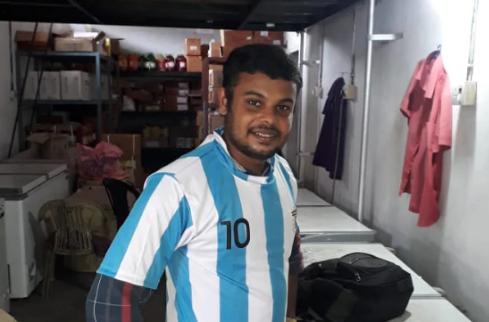 Dinu Alex là người hâm mộ ngôi sao bóng đá Linonel Messi (Ảnh: India Today)