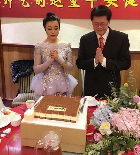 Kết hôn nhiều và yêu không ít người nhưng Lưu Hiểu Khánh không có con.