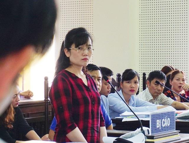Bị cáo Nguyễn Thị Lam trả lời các câu hỏi của luật sư