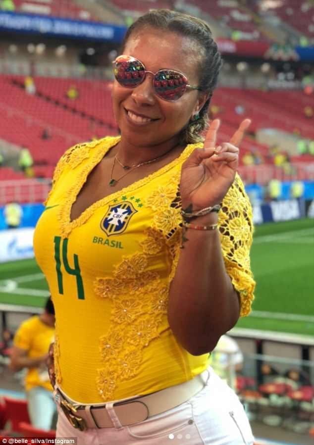 Dàn mỹ nhân của tuyển Brazil đẹp rực rỡ ăn mừng chiến thắng - 8