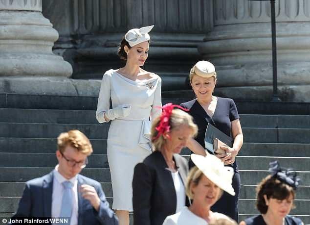 Minh tinh Angelina Jolie là tâm điểm thu hút sự chú ý