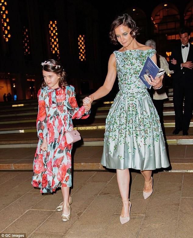Katie Holmes luôn xem cô con gái Suri Cruise là điều quan trọng nhất cuộc đời mình.