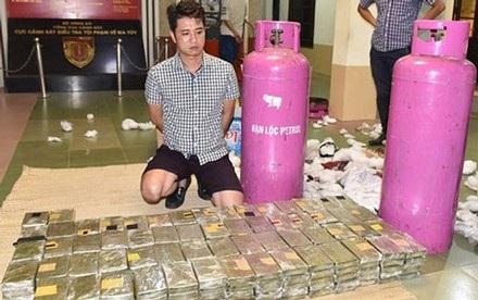 490 bán heroin được cất giấu trong vỏ bình gas đã bị cơ quan điều bắt giữ.