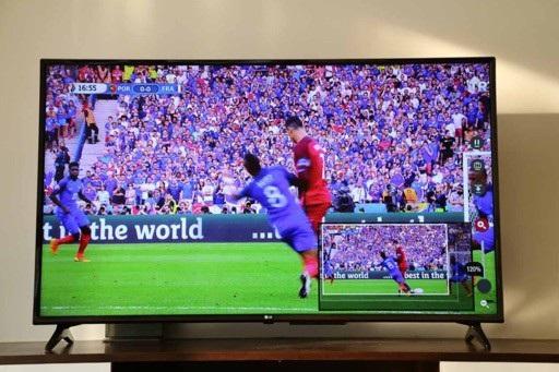 TV LG KU6100 55 inch là mẫu TV 4K HDR phiên bản Football Edition có giá tốt nhất thị trường hiện nay chỉ 17,9 triệu đồng.