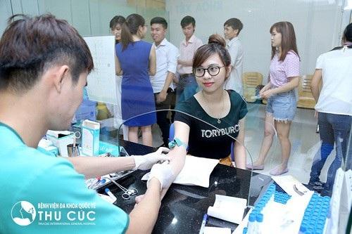 Khách hàng khám tại bệnh viện Đa khoa Quốc tế Thu Cúc