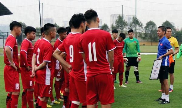 HLV Hoàng Anh Tuấn và các học trò đã sẵn sàng cho giải U19 Đông Nam Á