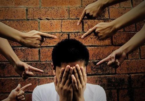 8 dấu hiệu của người có nguy cơ tự tử - 1