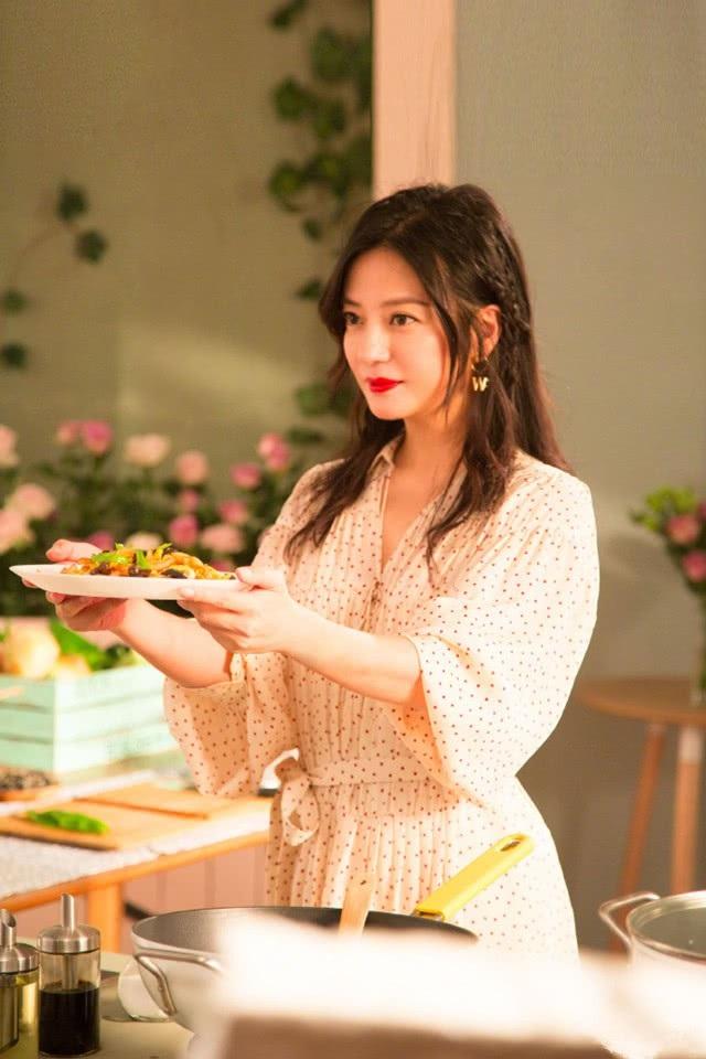 Nữ diễn viên xinh đẹp giờ là một nhà sản xuất, đạo diễn truyền hình bên cạnh công việc diễn xuất. Đây là mùa thứ hai chương trình truyền hình thực tế này được thực hiện và nhận được sự quan tâm của đông đảo người hâm mộ.
