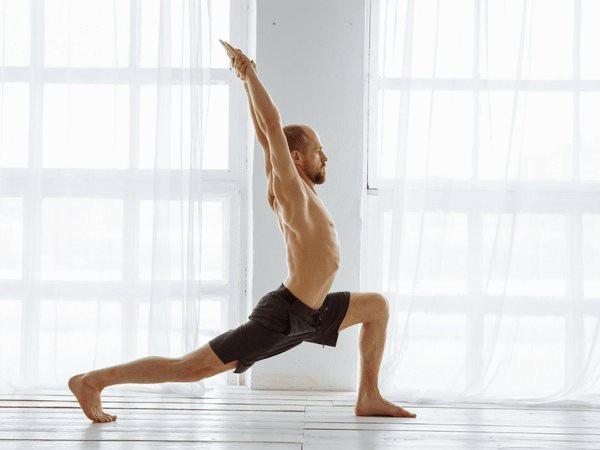 8 bài tập Yoga làm tăng số lượng tinh binh - 1