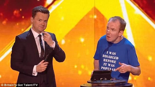 Sau khi tuyên bố Lee Ridley là người thắng cuộc, MC Dec đã hỏi tân quán quân đôi điều, thoạt tiên, anh quên mất là người đàn ông này không thể nói được, đó chính là lý do tại sao thí sinh lựa chọn nghệ danh Lost Voice Guy (người đàn ông mất giọng nói).