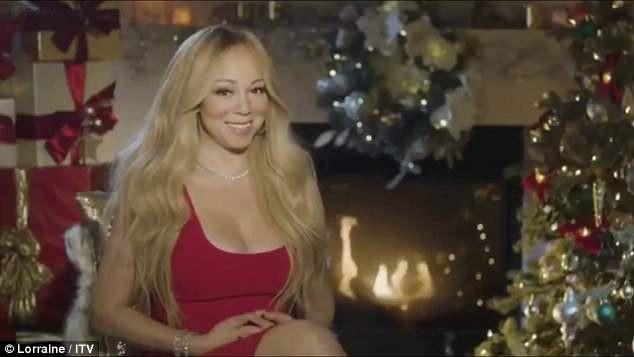 Mariah Carey xuất hiện trong một chương trình truyền hình mới đây và tiết lộ rằng cô trang trí nhà cửa, phòng riêng theo phong cách Giáng sinh quanh năm.