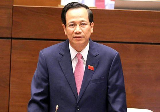 Bộ trưởng Bộ LĐ-TB&XH Đào Ngọc Dung phát biểu trước Quốc hội.