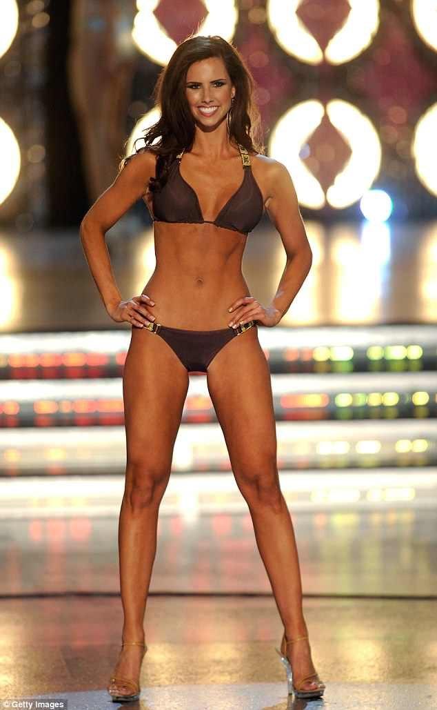 Một thí sinh trong phần thi áo tắm tại Miss America trước đây