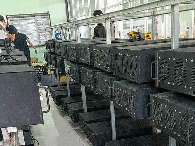 Máy đào tiền ảo bitcoin được nhập khẩu ồ ạt trong thời gian qua.