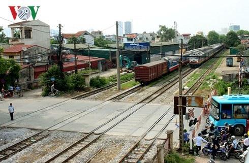Những âm thanh, hình ảnh của tàu hỏa trở nên quen thuộc với lái tàu Hoàng Ngọc Sơn từ nhỏ.
