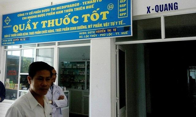 Một nhà thuốc bị đóng cửa vì bán thuốc quá hạn sử dụng.