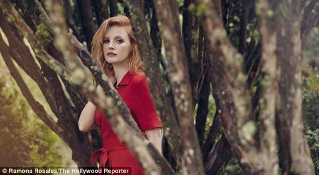 Nữ diễn viên tài năng Jessica Chastain xuất hiện xinh đẹp, cuốn hút trên tạp chí Hollywood Reporter