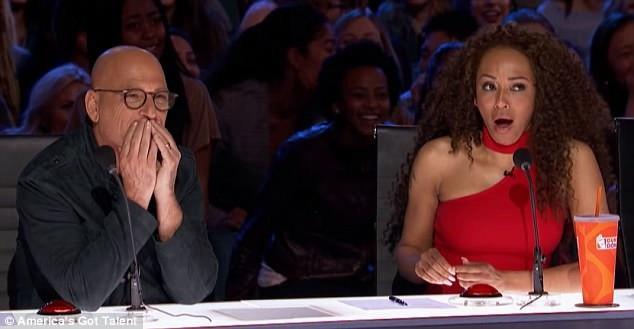 Phản ứng của giám khảo trước tiết mục khá đa dạng. Trong khi nam diễn viên hài Howie Mandel thích thú, thì nữ ca sĩ Mel B bị sốc.