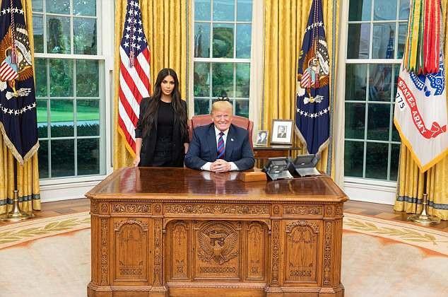 Mới đây, vào ngày 30/5 vừa qua, Kim Kardashian đa được mời tới Nhà Trắng để gặp gỡ Tổng thống Mỹ Donald Trump.