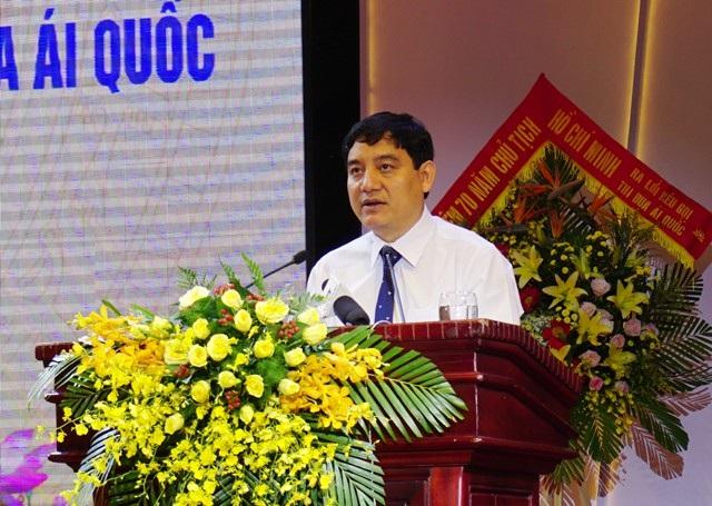 Ông Nguyễn Đắc Vinh - Bí thư Tỉnh ủy Nghệ An phát biểu tại Lễ kỉ niệm 70 năm Chủ tịch Hồ Chí Minh ra lời kêu gọi thi đua ái quốc (11/6/1948-11/6/2018)
