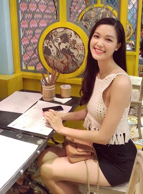 Lê Khánh khoe bụng bầu 5 tháng; Tuấn Hưng quỳ gối tặng hoa cho bà xã - 15
