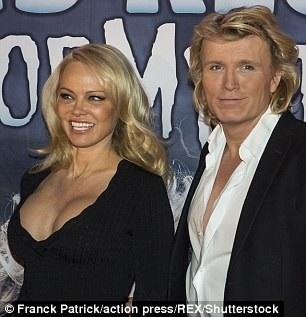 Pamela Anderson từng nói, với cô tuổi tác chỉ là những con số và không có gì đáng ngại.