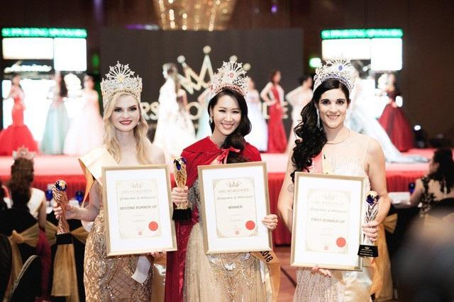 Dương Thuỳ Linh đăng quang Hoa hậu Phụ nữ Toàn thế giới 2018. Đây là lần đầu tiên Việt Nam có đại diện tham gia đấu trường nhan sắc này nhưng đã bất ngờ giành chiến thắng. Dương Thuỳ Linh đã vượt qua 24 thí sinh khác để giành vương miện cao nhất. Cô còn đoạt thêm hai giải phụ: People Choice và Special Queen Awards.